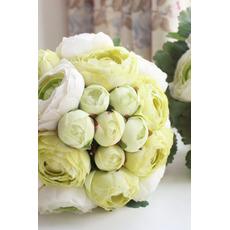 Listi so zeleni poroka imajo rože družico imajo cvetje
