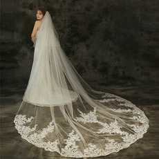 Poročna obleka s čipkasto tančico, pokrivalo, poročna dodatna oprema za poročne čipke